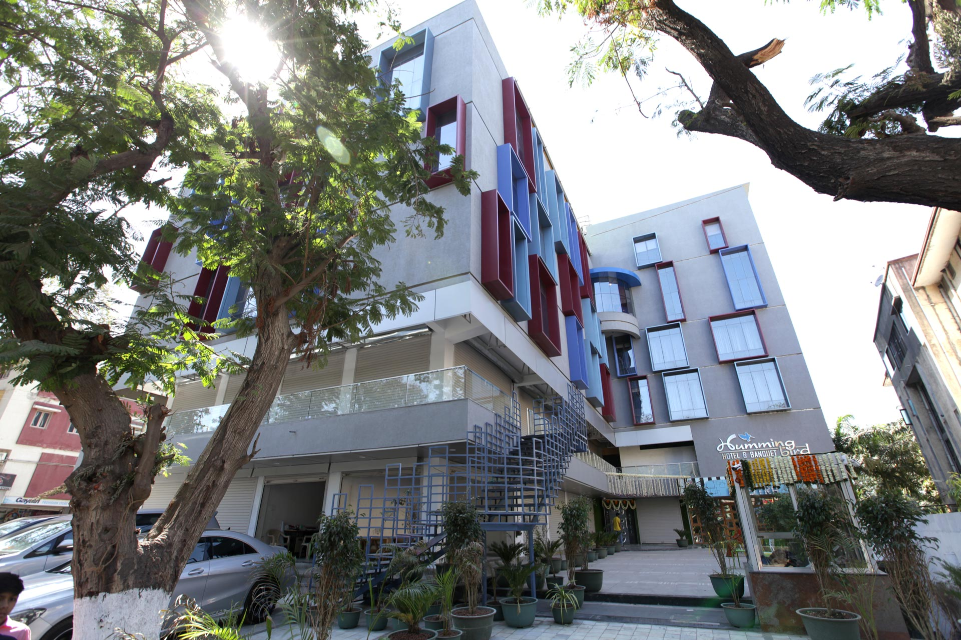 Best hotel in anand hummingbird