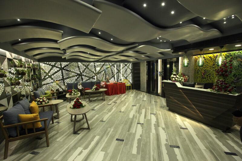 Hummingbird hotel anand  reception area