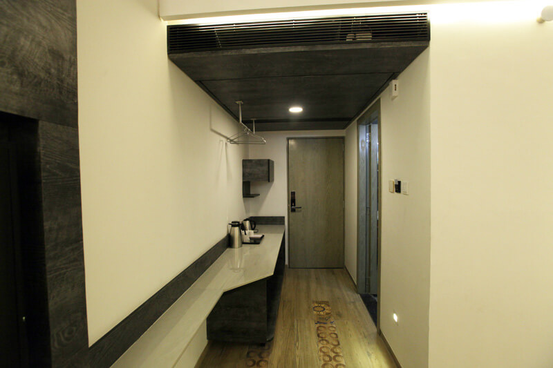 premium Jacuzzi room pantry hummingbird hotel