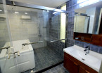 premium room bathroom - hummingbird hotel